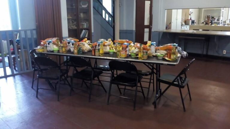 Balboa Union Church. Missions. Delivery of food baskets. Food bank. Banco de Alimentos. Entrega de comida. Asistencia Alimenticia para Adultos Mayores. English speaking church. Sunday service.